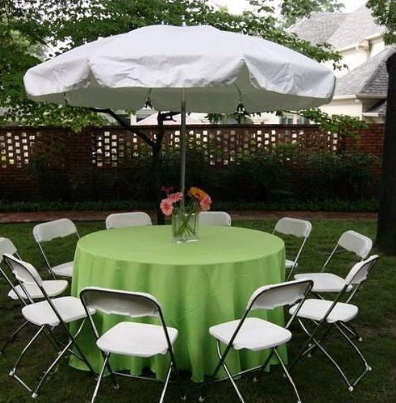 Table and chairs for company picnic